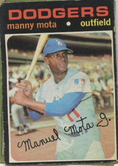Topps 1971 Baseball Card | Manny Mota | Los Angeles Dodgers | Baseballisms.com